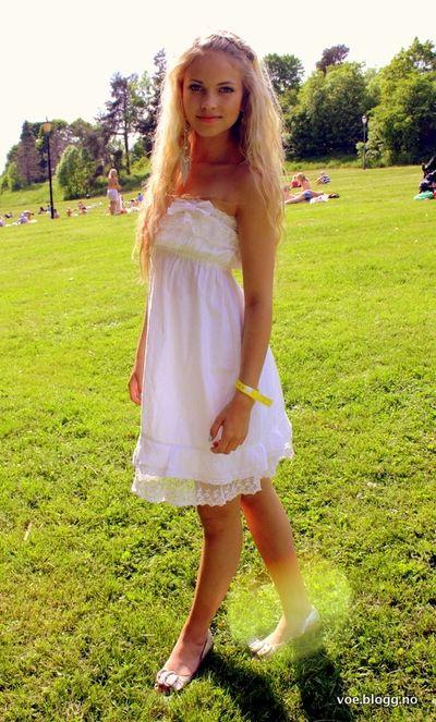 137 Best Emilie Nereng Images On Pinterest  Blondes -4663
