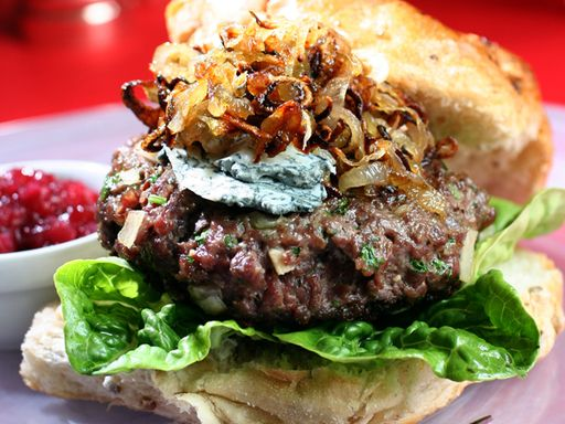 Venison Burger with Blue Cheese and Crispy Shallots Recipe   Venison Burger with Blue Cheese and Crispy Shallots Recipes - sofeminine.co.uk