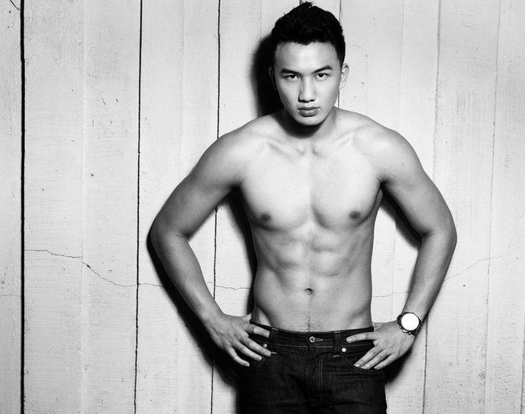 Steven Yoswara // Shirtless // Muscle