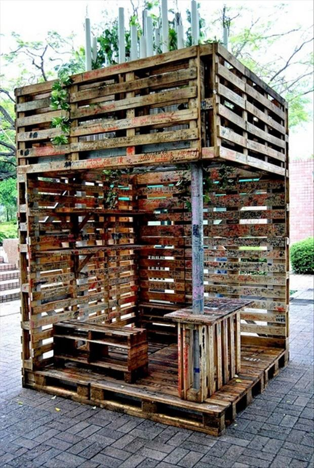 This is brilliant! This gazebo made from old pallets could also be