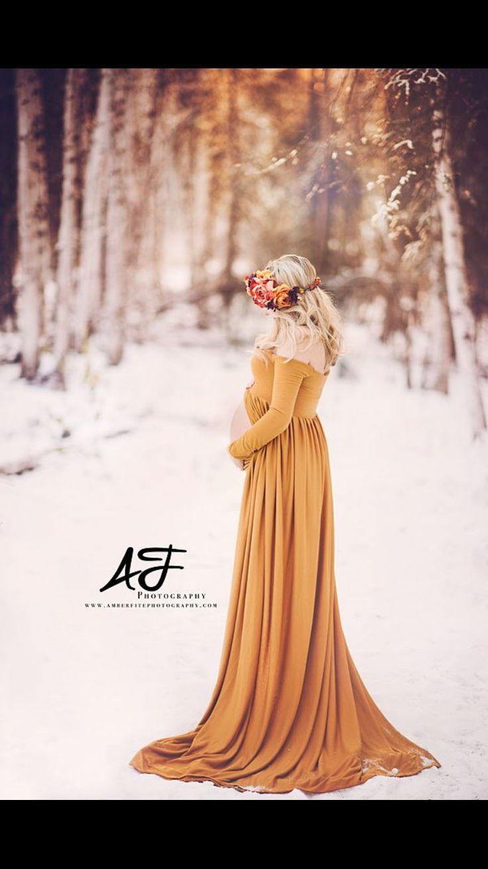 Snowy maternity shoot