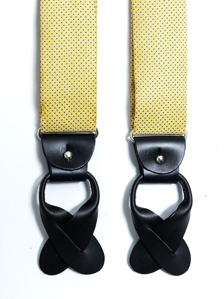 Tirantes de seda jacquard en color amarillo con diseño de pequeños puntitos en color azul. Posibilidad de usar con pinzas metálicas o con tiras de piel para abotonar al pantalón (ambos incluídos).  www.soloio.com  #shoponline #SOLOiO #menaccesories #tirantes #suspenders  #print #dapperaccesories #dapperman #dappermen #dandyaccesories #bespoke #bespokeaccesories #paisley #bretelle #skull #calavera #dots #lunares #blue #green #yellow #dots #lunares #pois