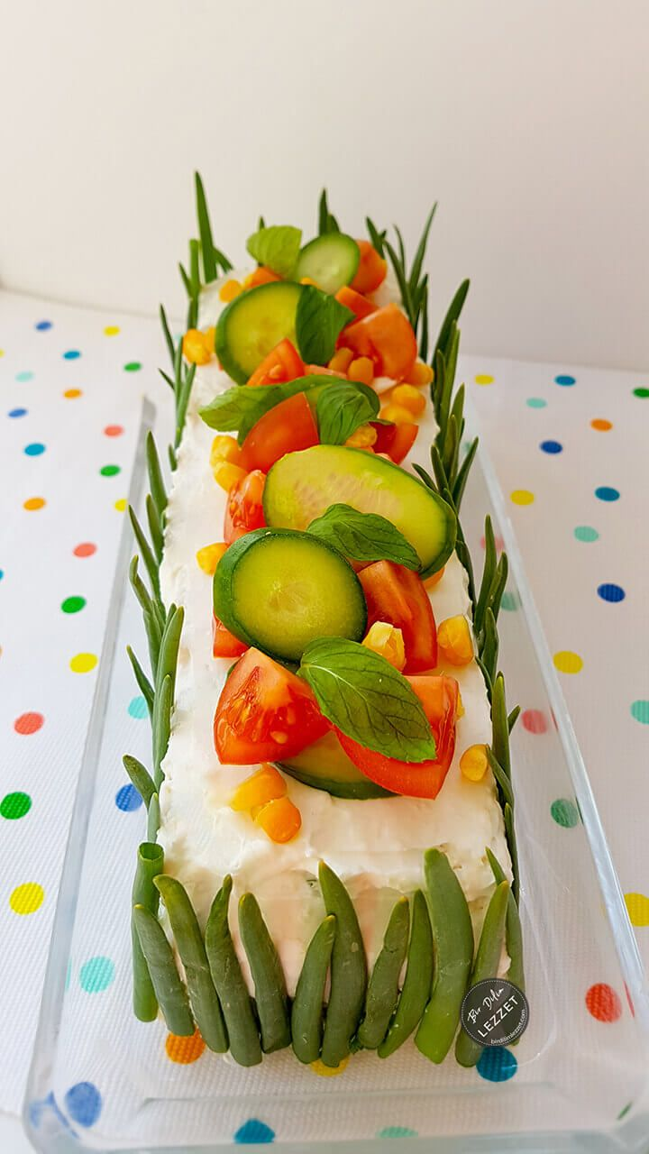 Tost Ekmeği Salatası