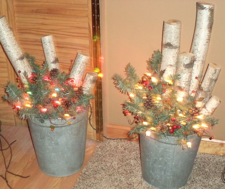 Rustic christmas d cor galvanized buckets white birch for How to decorate a bucket