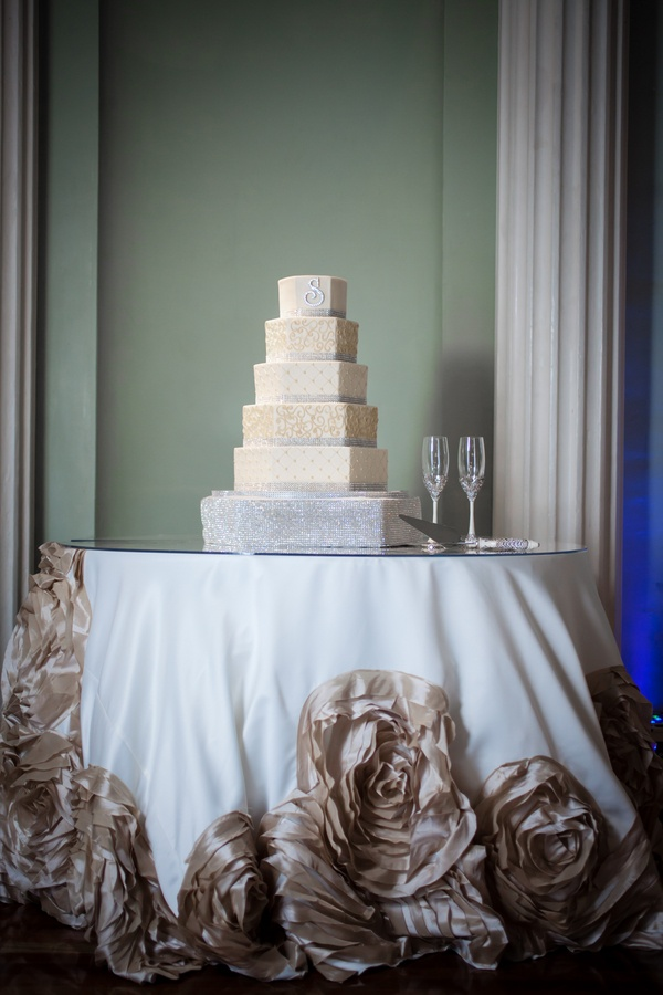 cake table linen by i do linens i do linens our work pinterest in love wedding and. Black Bedroom Furniture Sets. Home Design Ideas