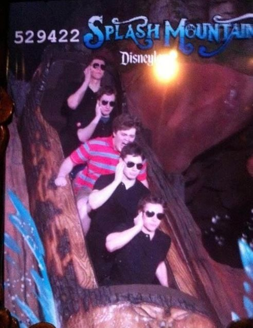 The Bodyguard | Community Post: 19 Hilarious Pictures Of People Posing On Splash Mountain
