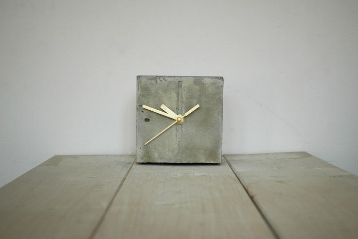 Chronek/Good Time Buddy is a small, stable and discreet concrete clock. #concrete #concrete_clock