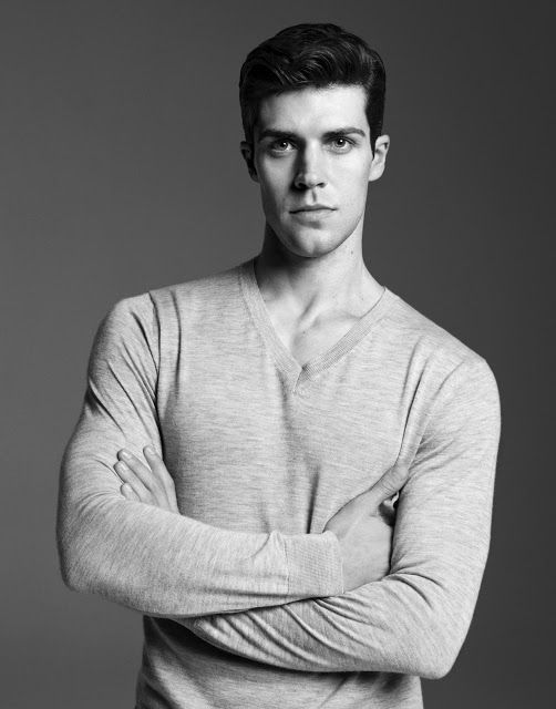 Simple V-neck ft.Roberto Bolle via Fantastic Man