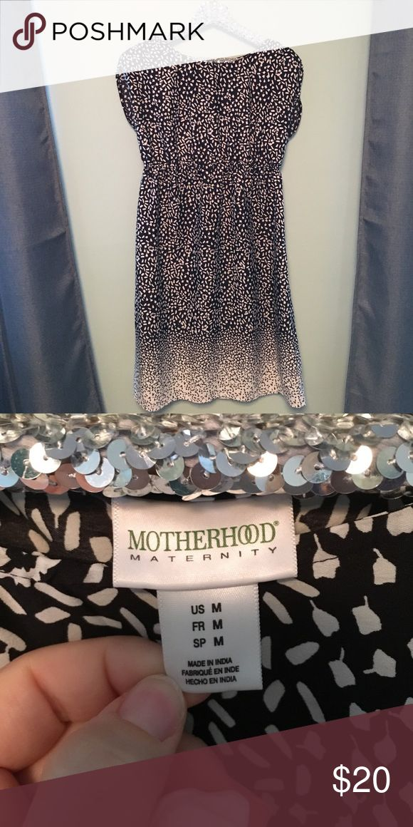 Motherhood black and white dress Very soft, flattering black and white Motherhood maternity dress. It cinches above your pregnant belly. Originally came with a belt but I found it uncomfortable so I removed it. This dress is great during or after pregnancy! Motherhood Maternity Dresses