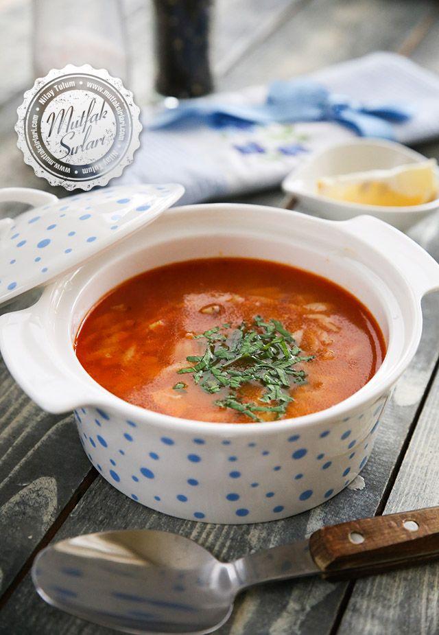 Tavuk Suyuna Domatesli Arpa Şehriye Çorbası Tarifi   Mutfak Sırları