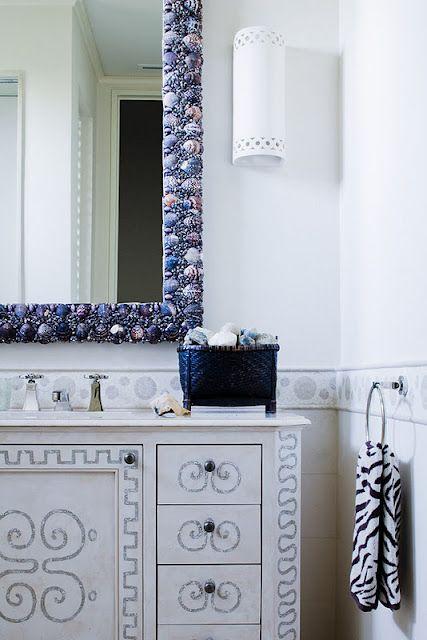 seashell mirror frame?: Blue Seashells, Sea Shells, Thomas Hamel, Interiors Design, Bathroom Mirror, Bathroom Ideas, Seashells Mirror, Seashells Bathroom, Blue Bathroom