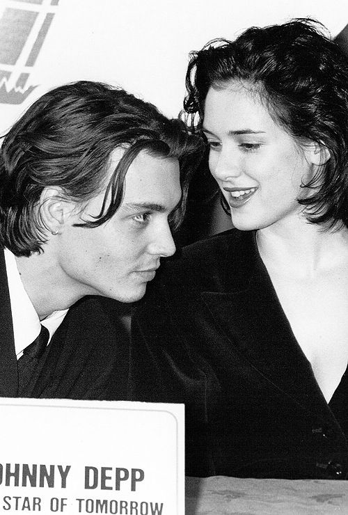 Johnny Depp y Winona Ryder en 1997 - aww. These two.. I honestly wish for them to get back together