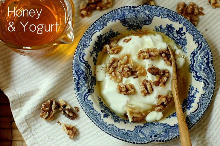 Honey & Yogurt and nuts: a winning combination!