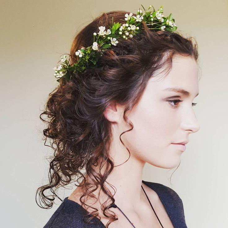 Photoshoot!! #banffwedding #botegabanff_family #hairshoot #bohobride #bestmodelever #banffhairstylist #banffweddingmakeup