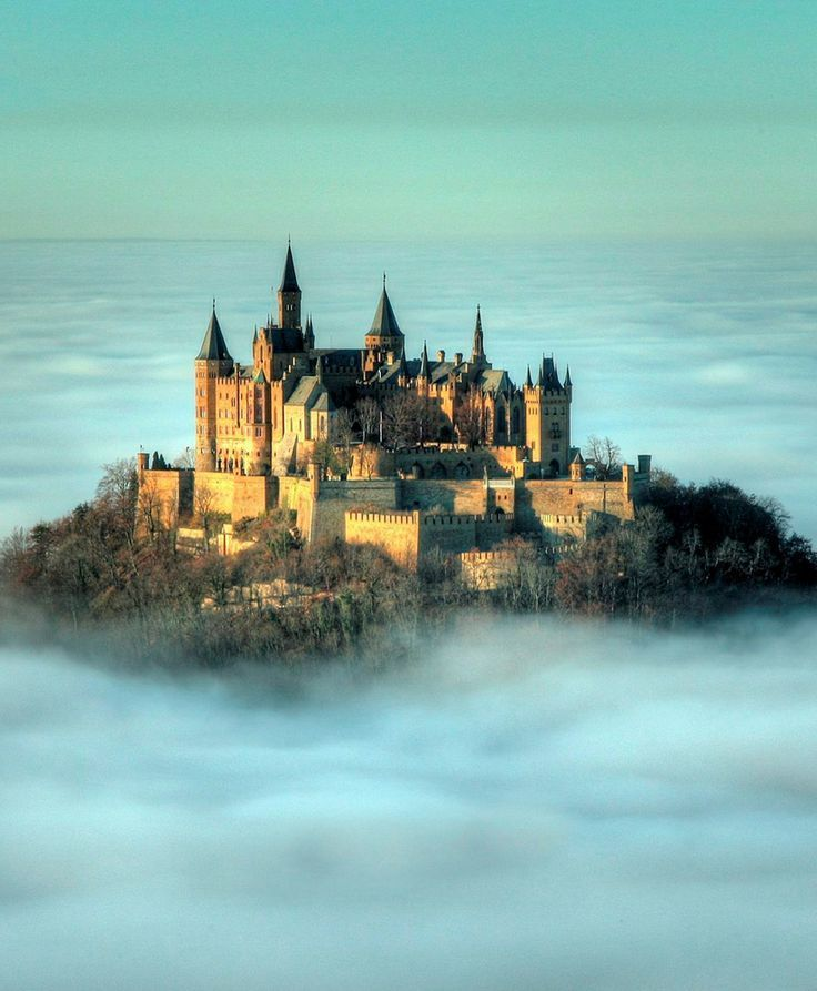 Castles.     Yep, these made it to my Travel Bucket List also! Tempus fugit: 50 of the most magical and beautiful castles of the world #castles  with <3 from JDzigner www.jdzigner.com