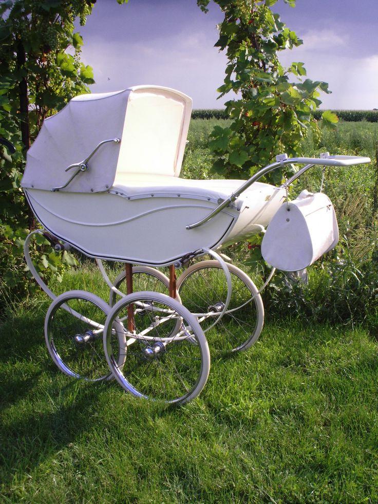 http://www.kinderwagen-nostalgie.com/kinderwagenbandjes/WagenMetBanden.jpg