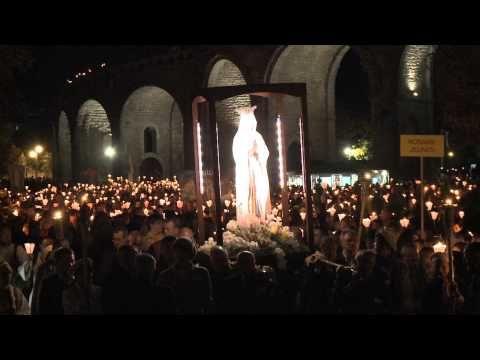 Lourdes : Carnet de voyage lors du pèlerinage du Rosaire - YouTube