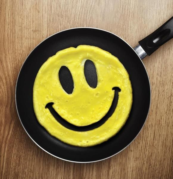 If you want to make breakfast more fun, you can make a fun smiley face with the eggs on any day you like and do it with ease. This breakfast mold makes it simple to mold he eggs into a fun shape that everyone who sees it will instantly recognize. The Happy Face is sure to be a hit  with the whole family! Make some of your happiest eggs for brunch with the help of the Fred Crack a Smile Breakfast Mold!
