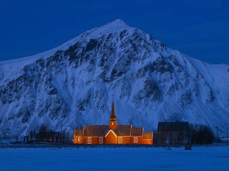 The Polar Night – a time of colour