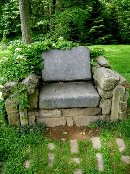 Stone chair.: Gardens Seats, Secret Gardens, Idea, Stones Chairs, Natural Gardens, Gardens Chairs, Backyard, Armchairs, Rocks