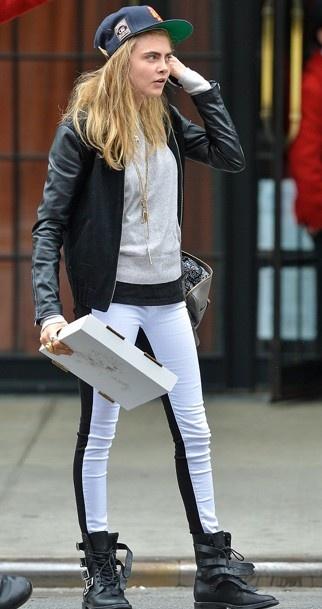 #she loves pizza  #CaraDelevingne