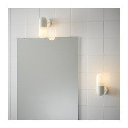 IKEA - ÖSTANÅ, Vägglampa, , Ger ett jämnt ljus som är bra för att lysa upp runt spegeln och tvättstället.Flexibel, går att montera med ned- eller uppåtriktat ljus.Använder LED som förbrukar upp till 85 procent mindre energi och varar 20 gånger längre än glödlampor.