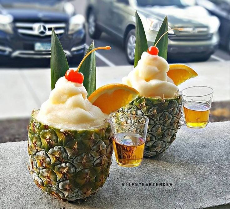 Poolside Pineapple Cocktail - For more delicious recipes and drinks, visit us here: www.tipsybartender.com