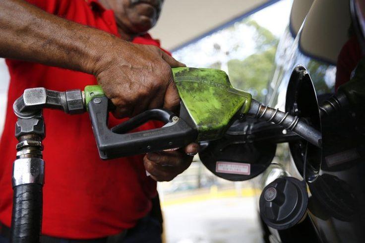 Aumento no PIS/Cofins deve pesar 100% para os brasileiros - http://po.st/HFA144  #Setores - #Gasolina, #Óleo, #Preços