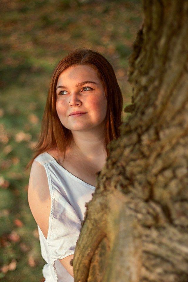 Idee/Inspiration für das Portrait einer Frau bei einem Herbstfotoshooting.  Frauenportrait – Fotoshooting – Shooting – Portraitfotografie – natürlic…