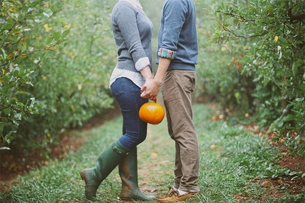 Fall photo session - Apple orchard | Carter Mountain | Charlottesville, VA