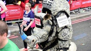 Miles de personas participan en la más grande jamás Maratón de Londres – | AdriBosch's Magazine