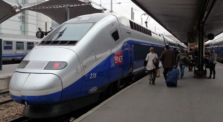TGV Duplex about to leave Paris Gare de Lyon for Nice