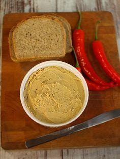 Pikantna pasta z cieciorki do smarowania pieczywa