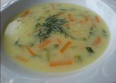 Hidiv çorbası içinde havuç, kabak ve biber olan çok lezzetli ve besleyici bir kremalı sebze çorbası tarifidir. Köri sosu bu çorbaya inanılmaz yakışıyor. İsterseniz sofraya ayrı olarak getirip sonra da ekleyebilirsiniz.