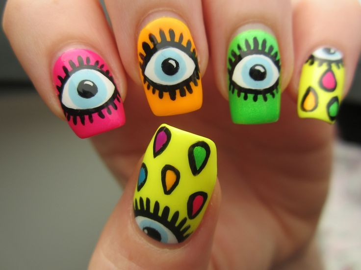Love these neon eye nails!