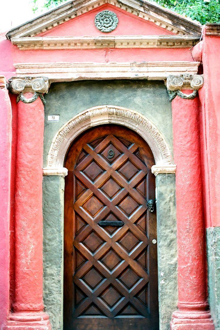 Decorative Doorways in San Miguel de Allende | photography by http://www.jenlynnephotography.net/