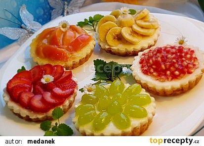 Ovocné a čokoládové mini koláčky recept - TopRecepty.cz