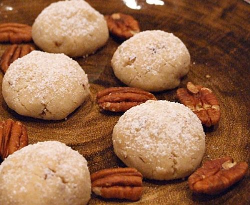 Pecan Sandies | Recipe Girl. | Christmas/holiday fun | Pinterest
