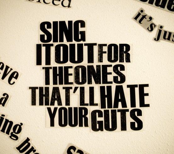 JUDY GARLAND - EVERYBODY SING LYRICS