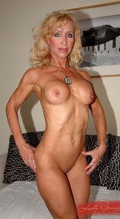 Mimi marks nude pics