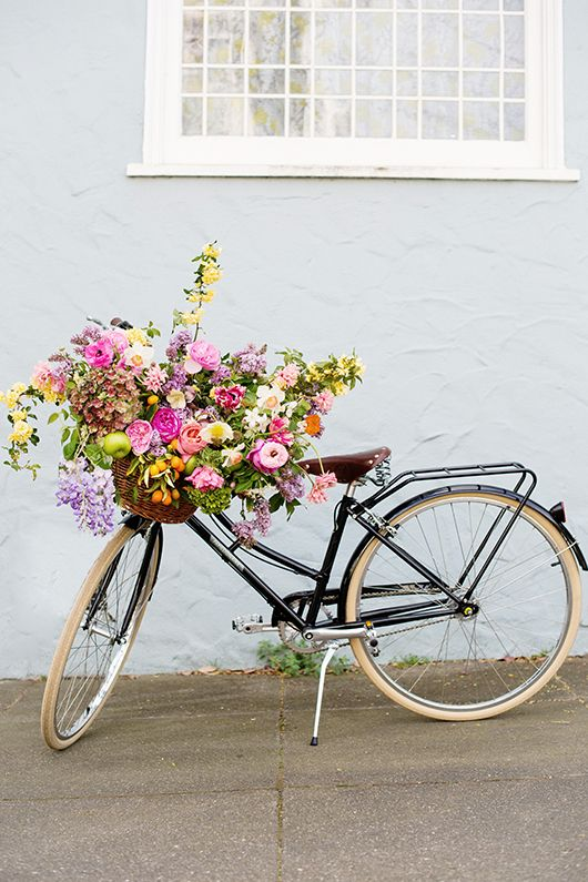 @sfgirlbybay is in full swing with spring. Bicycle transportation from #papillionairebicycles