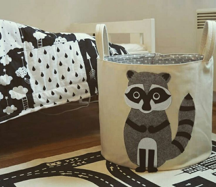 Our little racoon fits to a  scandinavian style kidsroom too.