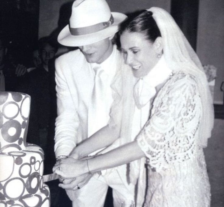 Demi Moore wedding to Ashton Kutcher