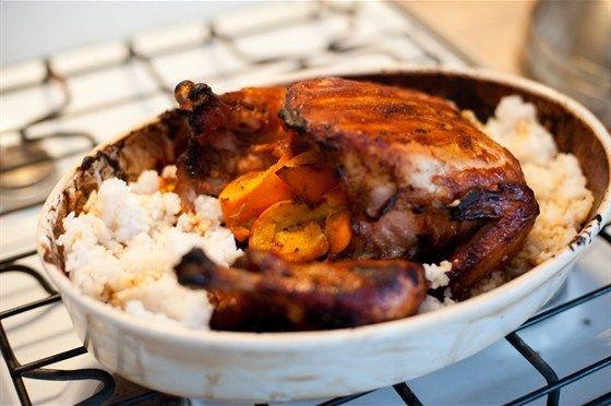 Для этого рецепта курицу нужно замариновать, чтобы вкус апельсинов и горчицы был не только на корочке, но и у самого мяса курицы.