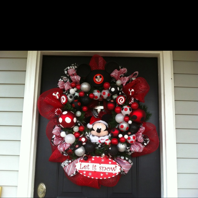 My brother's family love Disney World! I made them a Mickey Mouse Christmas wreath.
