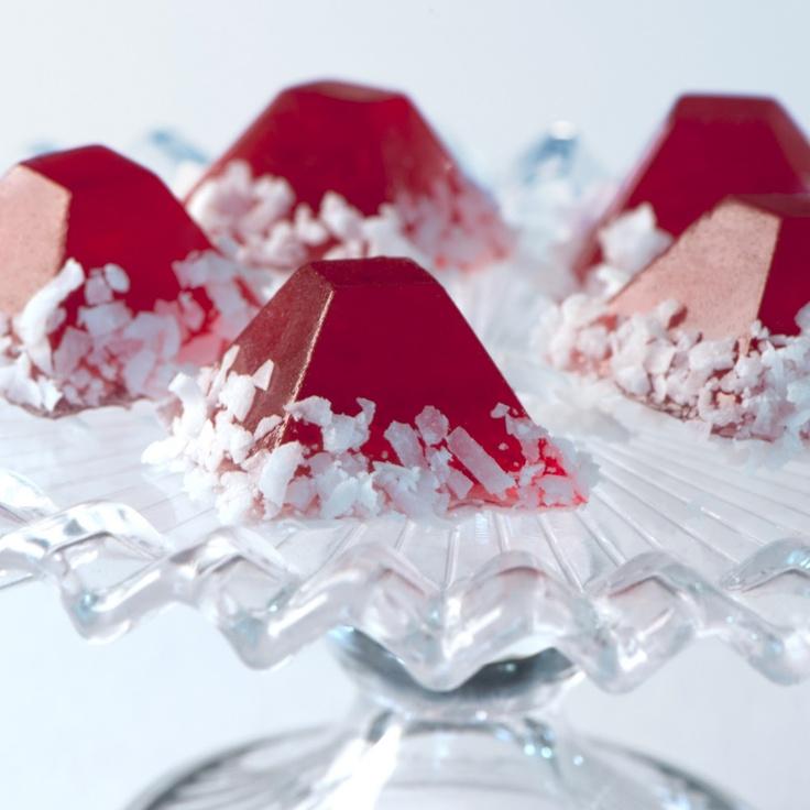 Santa's Hat Jelly Shots (Cranberry juice, Malibu rum, grenadine)