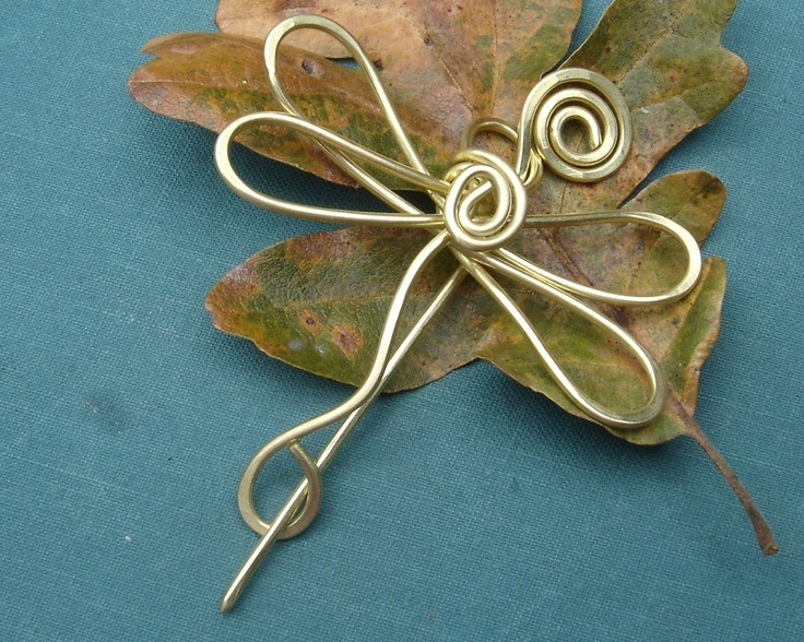 175 best Wire & Metal Brooches & Pins images on Pinterest | Shawl ...