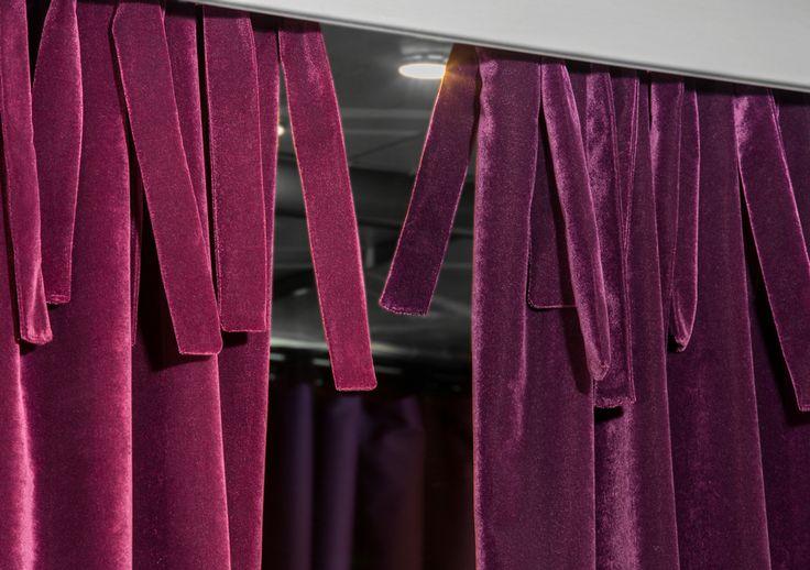 DIVA d'Englisch Dekor: Vellut ignifug apte per cortines amb certificació EN13773. / DIVA de Englisch Dekor: Terciopelo ignifugo apto para cortinas con certifiación EN13773. #ontario #fabrics