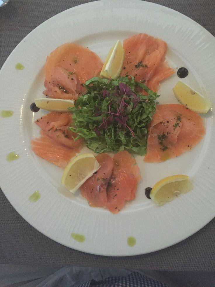 Carpaccio of salmon served on Churchill Bamboo range at Pizza na Piedra, Olhoa, Algarve, Portugal