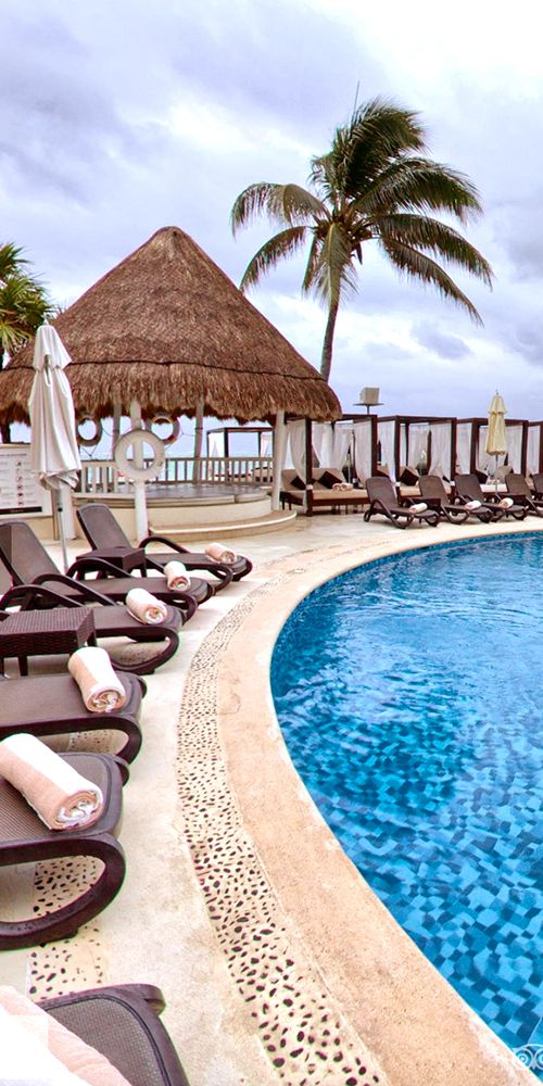 It's time to take a dive at the au naturel, Desire Riviera Maya Resort. 💦  -------------- #mexico #adult #couples #resort #topless #vacation #nude # swingers